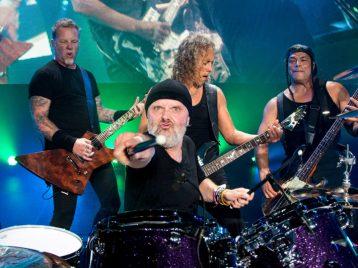 Правила самообороны: женщина отпугнула дикую пуму песней Metallica