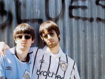 Oasis выпустили клип Fade away сальбома 25-летней давности