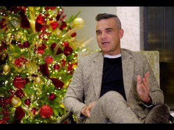 Санта Робби: Робби Уильямс снял рождественский клип сучастием своей семьи