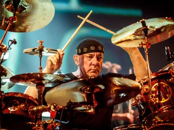 «Мыпотеряли гиганта»: умер Нил Пирт, барабанщик Rush