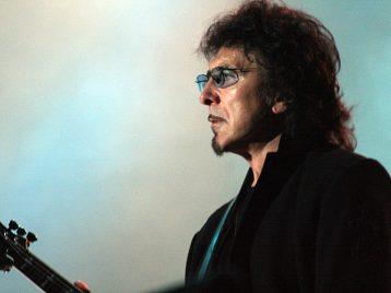 Gibson выпустили копию гитары Тони Айомми изBlack Sabbath