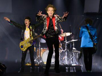 Когда песня оживает: Rolling stones предсказали режим самоизоляции впесне