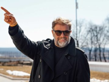 Трилогия завершена: Борис Гребенщиков выпустил новый альбом «Знак огня»